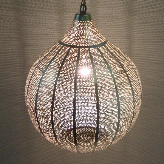 lamp XL strepen verzilverd koper uit Egypte   Prijs: € 325.00