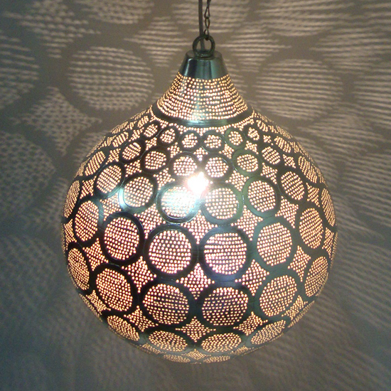 lamp XL cirkel verzilverd koper uit Egypte   Prijs: € 325.00