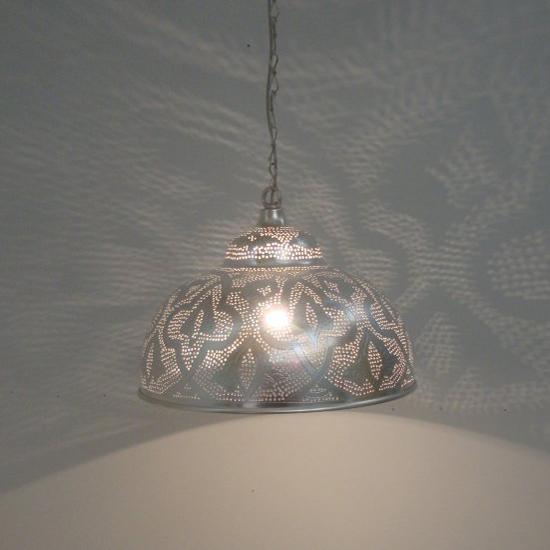 lamp patroon verzilverd koper uit Egypte   Prijs: € 139.00