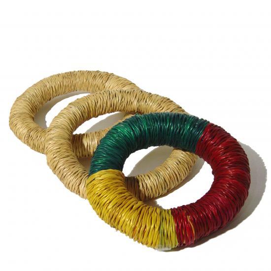 ringen gemaakt om kalebassen op het hoofd te dragen handig om een kalebas te laten staan 4.50 / 5.50 Prijs: € 4.50