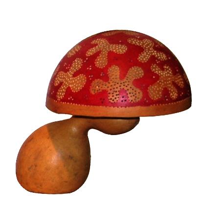 kalabas lamp uit het atelier van The Calabash Doctor  in Ghana  Meer kleuren / patronen aanwezig in de winkel! Prijs: € 49.50