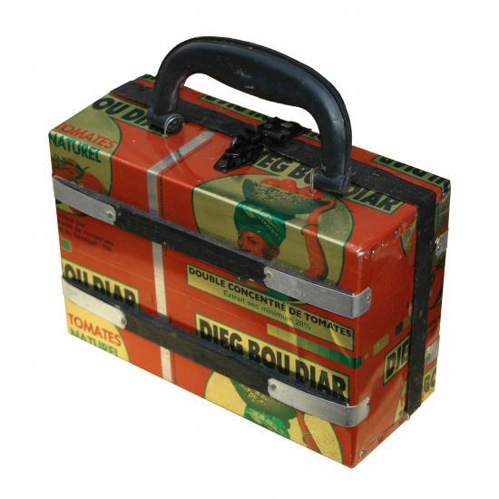 koffertje Senegal gemaakt van gerecycled blik 11.50 / 13.50 / 23.50 Prijs: € 11.50