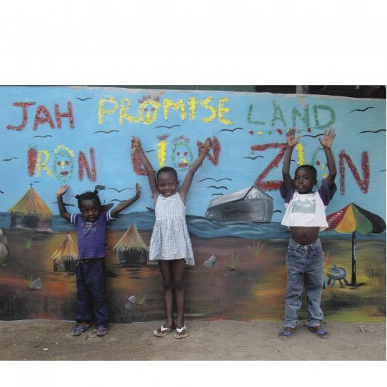 Children of Booyaka Kokrobite, Ghana  Mandy Elsas, 2008 Prijs: € 1.75